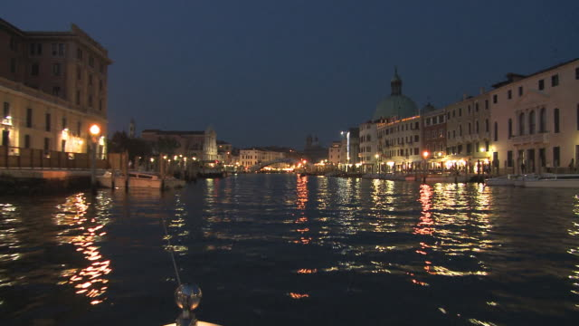 ws t/l pov view of grand canal from water taxi at night / venice, italy. - water taxi stock videos & royalty-free footage