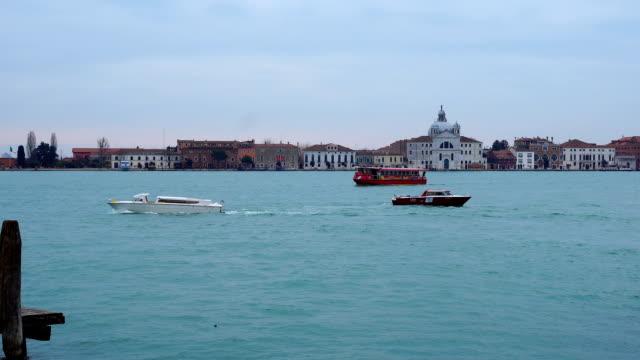 vidéos et rushes de view of grand canal in venice - canal eau vive