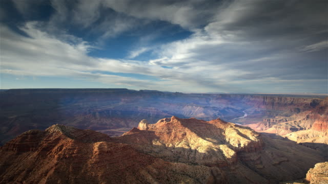 vídeos de stock, filmes e b-roll de ws t/l pan view of grand canyon / grand canyon national park, arizona, united states - grand canyon