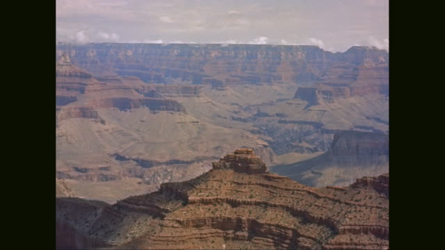 WS PAN View of  Grand Canyon on sunny day / United States