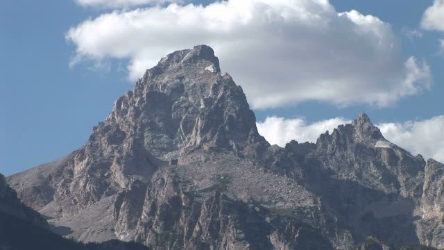 view of grand teton mountain in wyoming united states - grand teton stock-videos und b-roll-filmmaterial