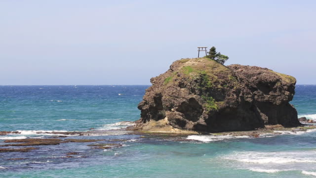 ws view of hakuto beach, holy place of mythology / izumo, shimane prefecture, japan  - shimane prefecture stock videos & royalty-free footage
