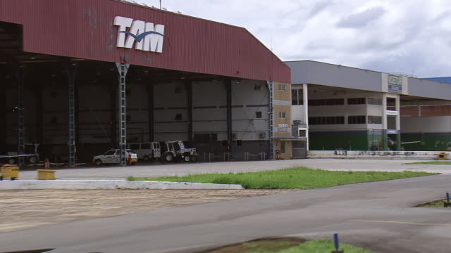 ws aerial view of hanger / brasilia, brazil - hangar stock-videos und b-roll-filmmaterial