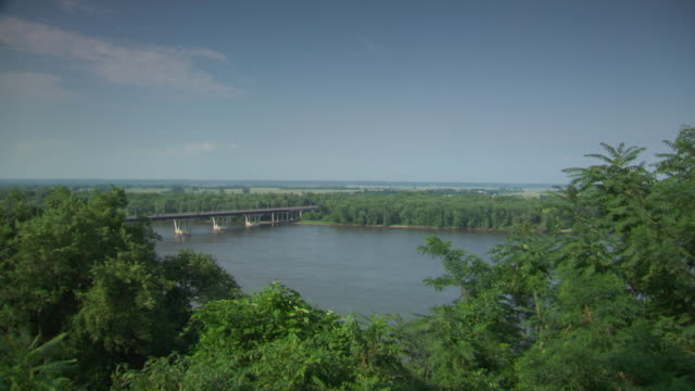 ws view of hannibal mississippi river / hannibal, missouri, united states - mark twain stock videos & royalty-free footage