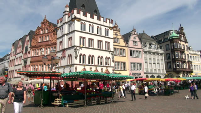 ws view of hauptmarkt (main square) / trier, rhineland palatinate, germany - german culture stock videos & royalty-free footage