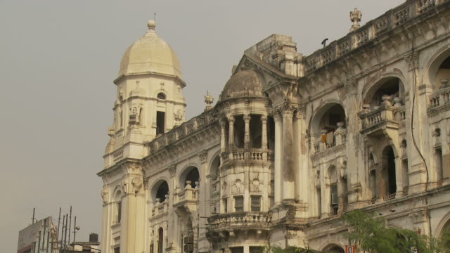 view of heritage building in kolkata india - kolkata stock videos & royalty-free footage