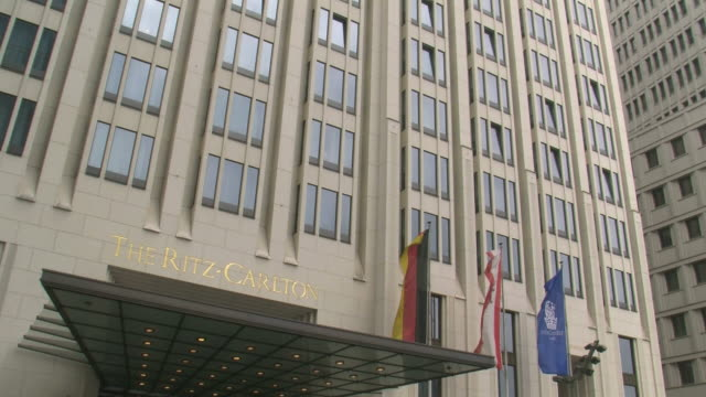 stockvideo's en b-roll-footage met cu tu view of hotel ritz carlton at potsdamer platz / berlin, germany - westers schrift