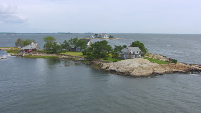 WS AERIAL POV View of houses on Clam Island and Sumac Island / Long Island Sound, Connecticut, United States
