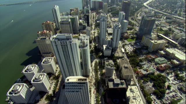 WS ZI ZO POV AERIAL View of HSBC skyscraper with swimming pool / Miami, Florida, USA