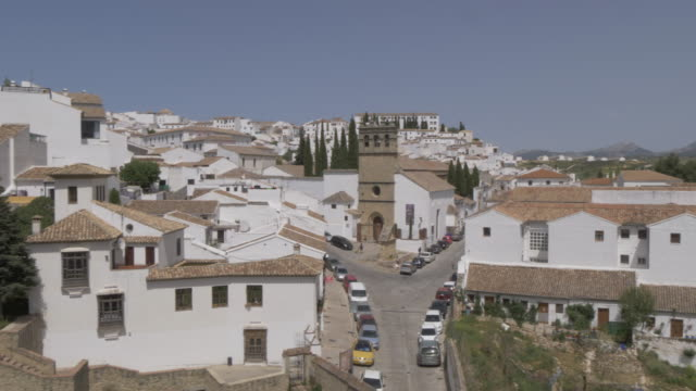 stockvideo's en b-roll-footage met view of iglesia de padre jesus church and ronda town, ronda, andalucia, spain, europe - padre