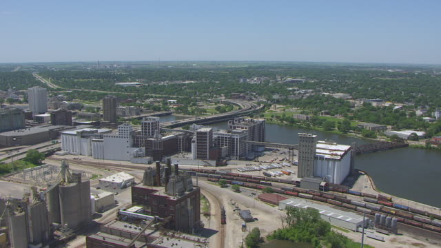 WS ZO AERIAL POV View of industrial area in city / Cedar Rapids, Iowa, United States