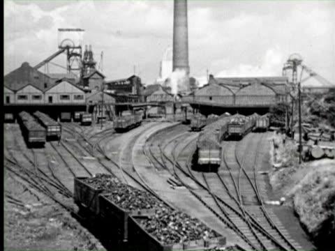 b/w view of industry trains, england / audio - 炭鉱点の映像素材/bロール