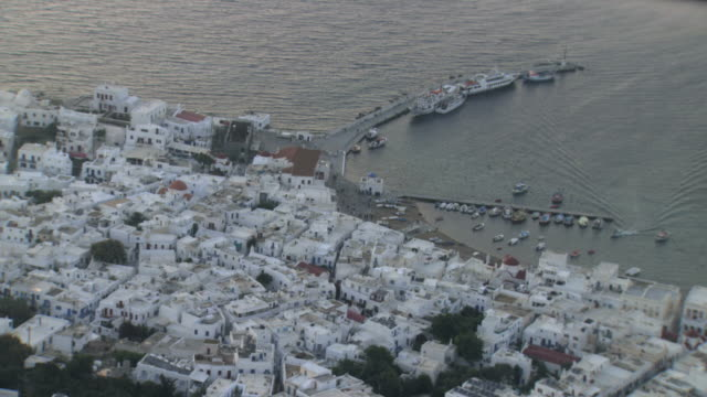 aerial ws ds view of isle mikonos harbour / mikonos, cyclades islands, greece - insel mykonos stock-videos und b-roll-filmmaterial