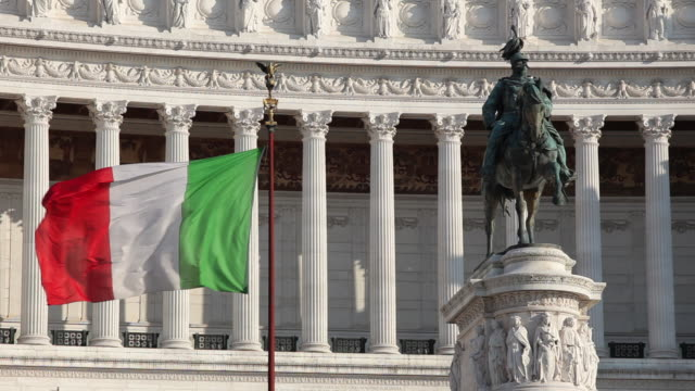 ws view of italian flag at vittoriano (monumento nazionale vittorio emanuele ii) / rome, lazio, italy  - italian flag stock videos and b-roll footage