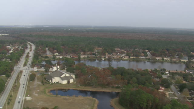 aerial ws view of jacksonville suburbs / florida, united states - jacksonville florida video stock e b–roll