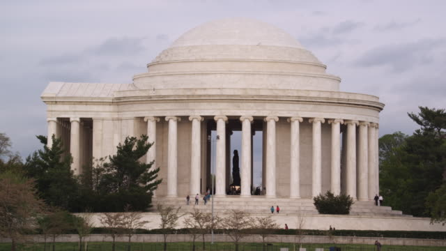 ms view of jefferson memorial / washington, district of columbia, united states - jefferson memorial stock videos and b-roll footage