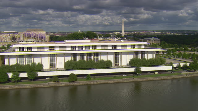 ws aerial view of john f kennedy center for performing arts / washington, dist. of columbia, united states - columbia center stock videos & royalty-free footage