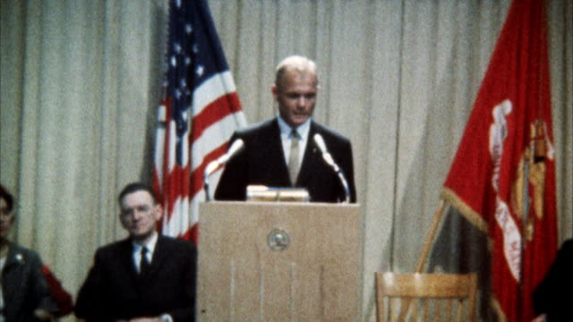 vídeos de stock e filmes b-roll de ms zi view of john glenn addressing united nations assembly - politician
