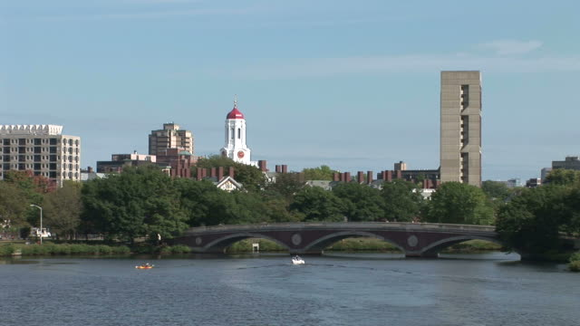 stockvideo's en b-roll-footage met view of john w. weeks bridge over charles river and the tower of harvard university in boston united states - harvard university