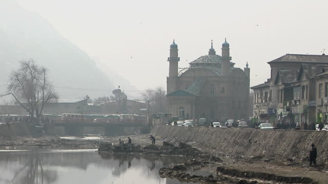 view of kabul river and mosque / kandahar, afghanistan. - kabul stock videos & royalty-free footage