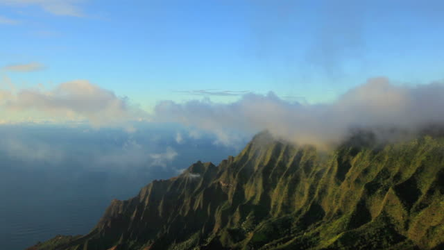 ws view of kalalau valley from puu o kila while napali coast in background / waimea, kalalau valley, the kauai island, hawaii, usa - na pali coast state park stock videos & royalty-free footage