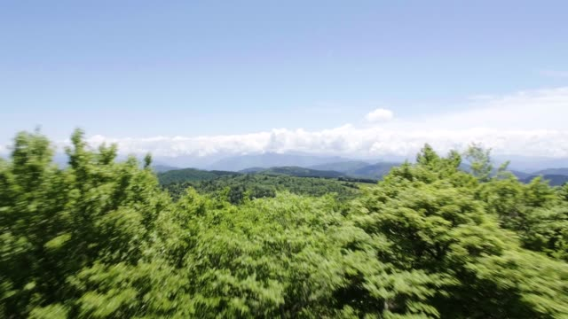 vidéos et rushes de view of kamikochi mountain with the cloud in nagano, japan - land