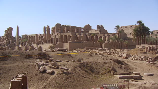ws zo view of karnak temple / luxor, egypt - temples of karnak stock videos and b-roll footage