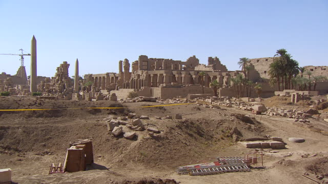 ms zo view of karnak temple / luxor, egypt - temples of karnak stock videos and b-roll footage