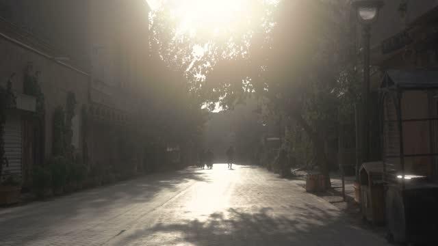 view of kashgar old town,xinjiang,china. - 新疆ウイグル自治区点の映像素材/bロール