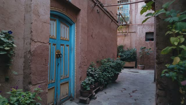 vídeos de stock, filmes e b-roll de view of kashgar old town,xinjiang,china. - paisagem urbana