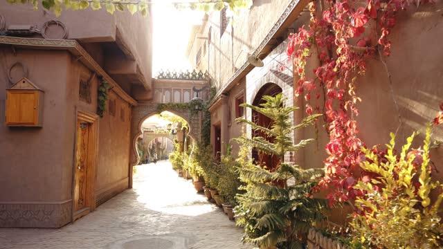 vídeos de stock, filmes e b-roll de view of kashgar old town,xinjiang,china. - cityscape