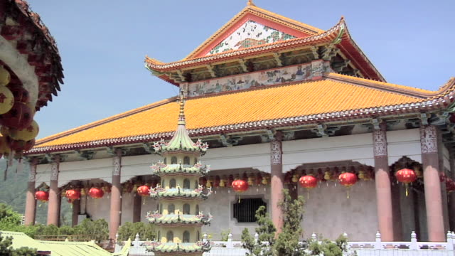 ws zi view of kek lok si temple compound / ayer hitam, penang, malaysia - penang stock videos and b-roll footage