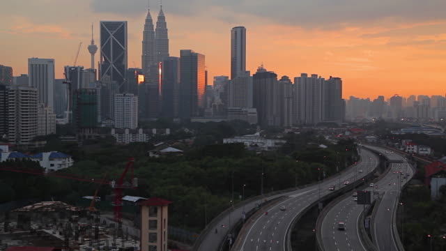 Utsikt över Kuala Lumpur skyline i solnedgången