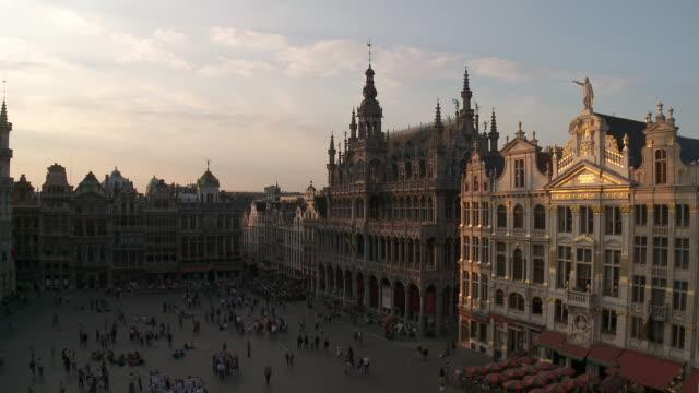 WS View of La Grand Place UNESCO world heritage with La maison du Roi / Brussels, Brussels Capital Region, Belgium