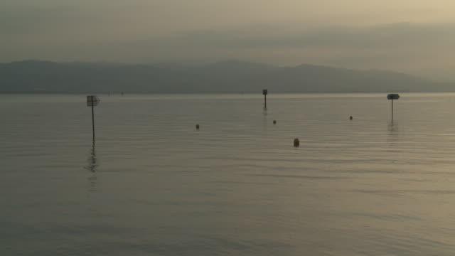 ws view of lake constance / lindau, bavaria, germany - ruhige szene stock-videos und b-roll-filmmaterial