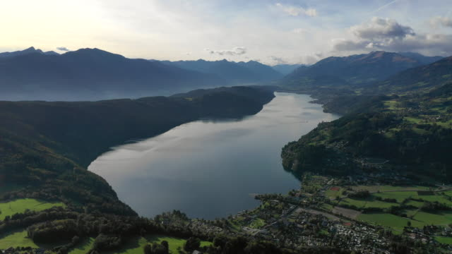 view of lake millstatt in karnten, millstatt, austria - see stock-videos und b-roll-filmmaterial