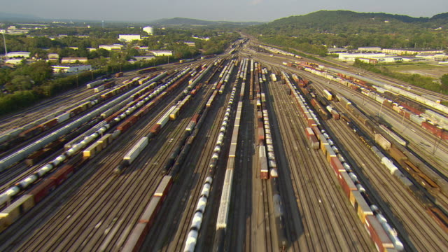 ws aerial view of large railyard / chattanooga, tennessee, united states  - shunting yard stock videos and b-roll footage