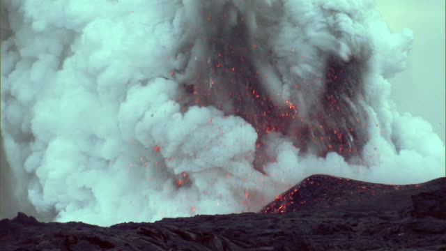 WS View of lava exploding / Hilo, Hawaii, USA