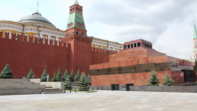 ws view of lenin's mausoleum / moscow, russia - mausoleum stock videos and b-roll footage
