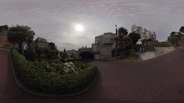 vidéos et rushes de vr view of lombard street san francisco - ligne de tramway