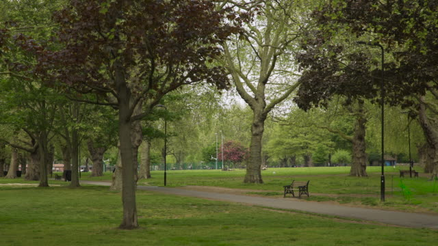 view of london fields park in east london - 40 seconds or greater stock videos & royalty-free footage
