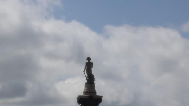 vidéos et rushes de view of london - trafalgar square