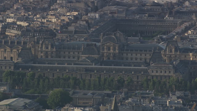 MS AERIAL ZO View of Louvre / Paris, France