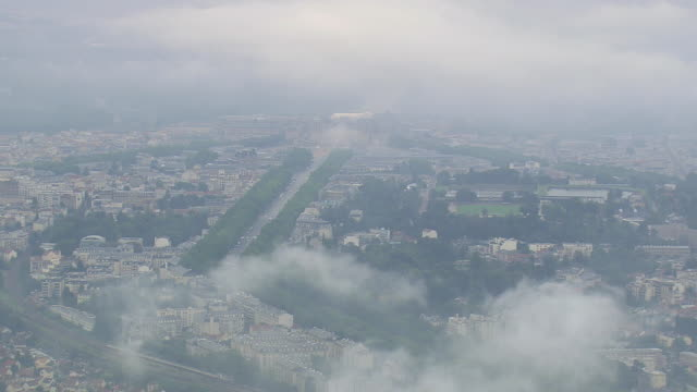 ws aerial zi view of low cloud over versialles / paris, france - chateau de versailles stock videos and b-roll footage
