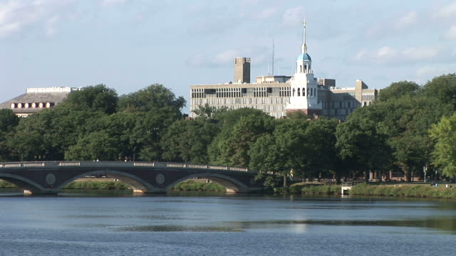 stockvideo's en b-roll-footage met view of lowell house and john w. weeks bridge over charles river in boston united states - harvard university