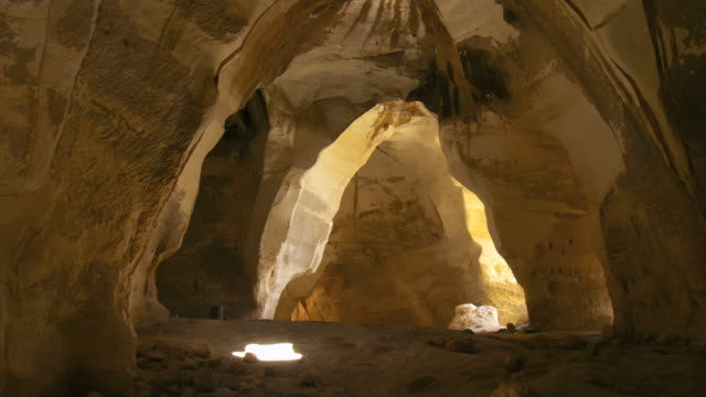ws tu view of luzit cave / judea plains, israel - 石灰岩点の映像素材/bロール