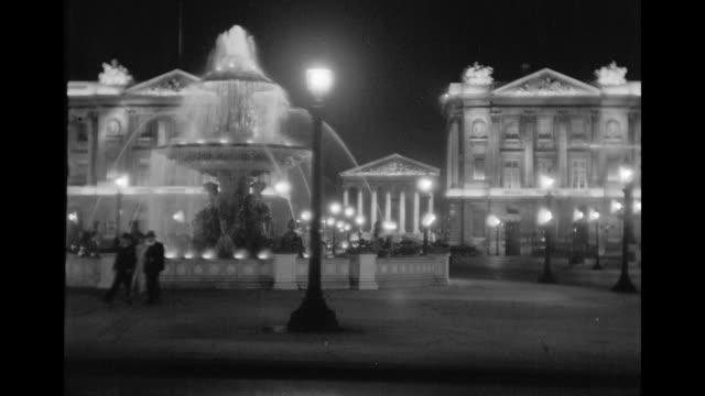 vídeos de stock, filmes e b-roll de ws t/l view of madeleine at night / paris, france - 1930