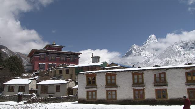 ws zi view of main gompa building at tengboche monastery / tengboche,  khumbu region, nepal - khumbu stock videos and b-roll footage
