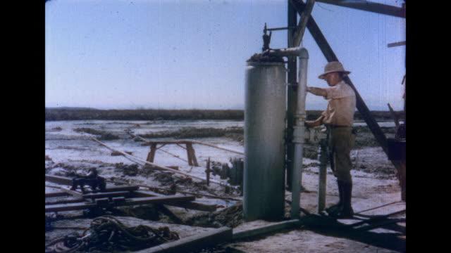 ws td view of making dry ice audio / imperial valley, california, united states - インペリアルバレー点の映像素材/bロール