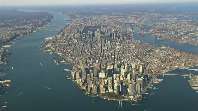 stockvideo's en b-roll-footage met aerial ws zi view of manhattan / new york city, new york, usa - manhattan stad new york
